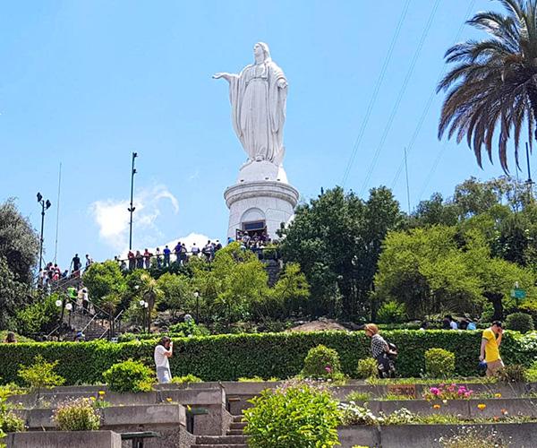 Traslado desde o hacia <h3>Cerro Santa Lucía</h3> <h4>R. Metropolitana</h4>  - Aeropuerto SCL